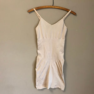 Control It Maidenform Dress Shapewear (M)